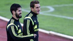 Isco y Koke, en un entrenamiento con la selección española. (AFP)