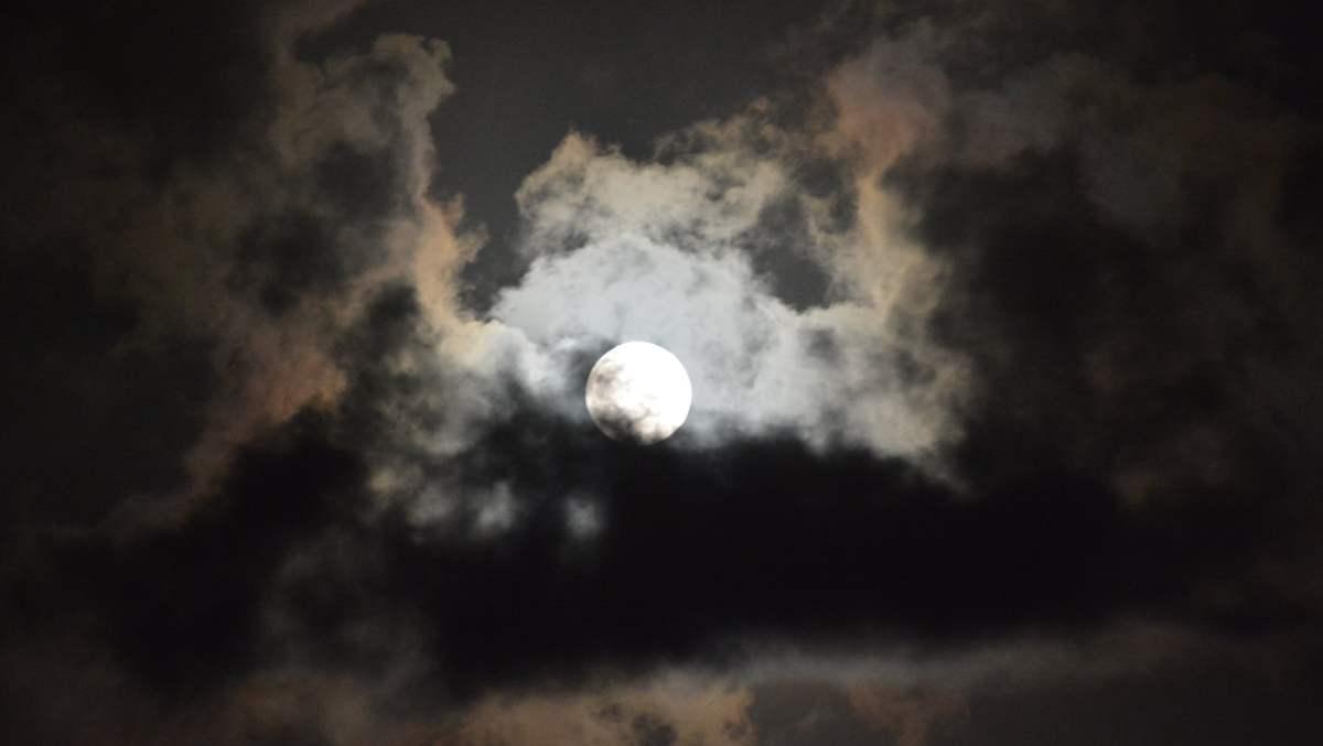 Misterio y origen de la Luna