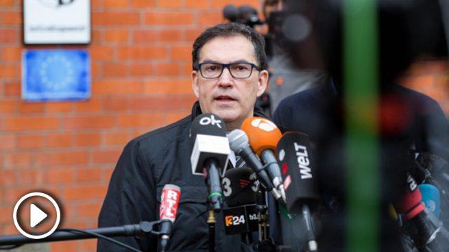 Puigdemont quiere que su abogado Cuevillas sea candidato de la Crida en las Europeas