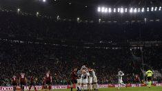 Los jugadores de la Juventus celebran uno de sus goles al Milan. (Getty Images)