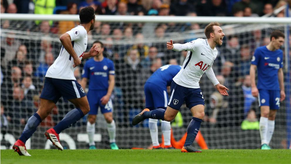 Christian Eriksen celebra su gol durante el Chelsea – Tottenham. (Getty)