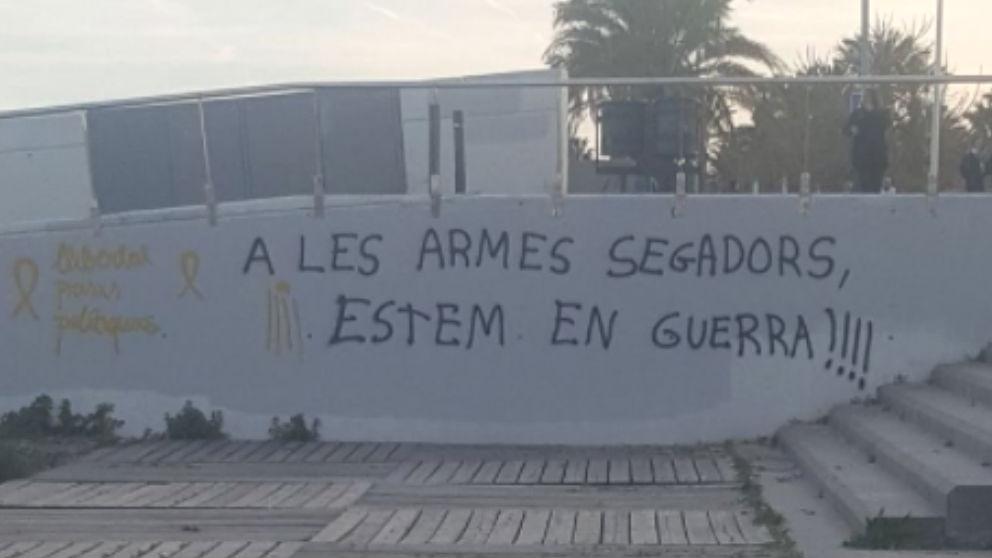 Pintadas separatistas en Mataró que llama a la guerra