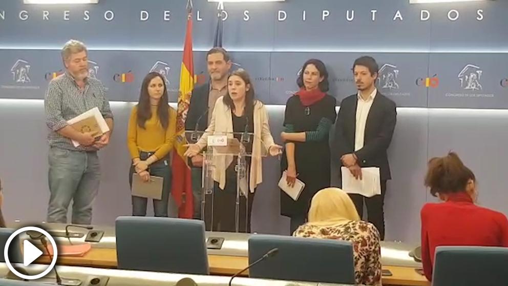 La portavoz de Podemos en el Congreso, Irene Montero, junto a otros portavoces de su grupo parlamentario