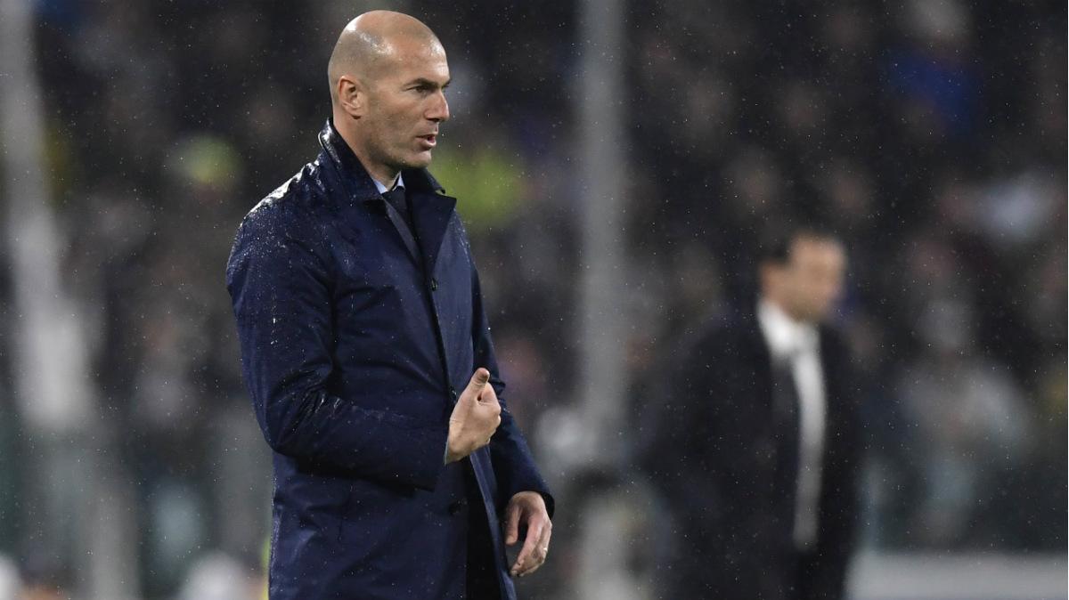 Zidane, en el banquillo del Juventus Stadium. (AFP)