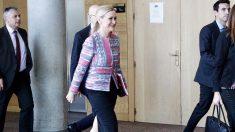 Cristina Cifuentes entrando en la Asamblea de Madrid. (Foto: Francisco Toledo) | Última hora Cristina Cifuentes