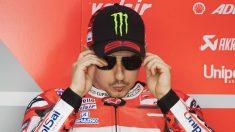 Las altas instancias de Ducati siguen confiando en que Jorge Lorenzo acabe siendo capaz de ser competitivo a lomos de la moto roja, algo para lo que el piloto necesita estar tranquilo y concentrado. (Getty)