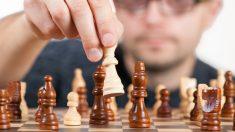 Pasos para aprender a jugar al ajedrez.