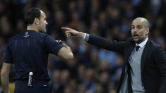 Guardiola, protestando a Mateu el curso pasado.