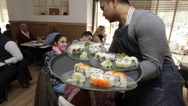 L.A. Sushi tiene una variedad de platos japoneses con toques de todo el mundo.