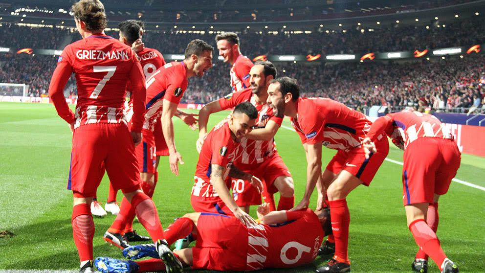 Los jugadores del Atlético de Madrid celebran el gol de Koke. (Foto: Enrique Falcón)