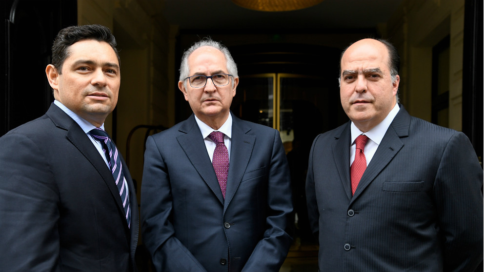 Carlos Vecchio, Antonio Ledezma y Julio Borges, líderes de la oposición democrática en Venezuela. (AFP)