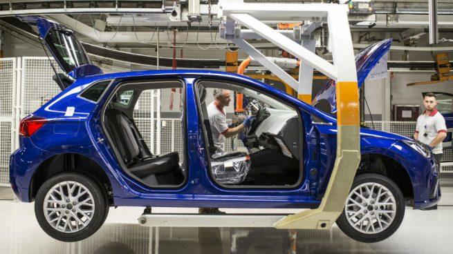Renault se suma a Seat en la desescalada: arranca el segundo turno pero Volkswagen lo retrasa al 22