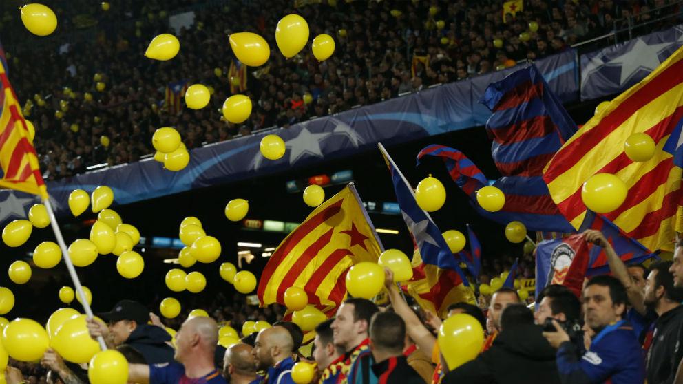Protesta independentista en el Camp Nou. (AFP)