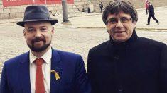 Mikko Karna, junto a Puidgemont en una foto de archivo.