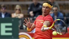 Rafa Nadal durante el partido de Copa Davis ante Kohlschreiber. (AFP)