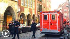 Policías alemanes en el lugar del atentado (Foto: AFP).