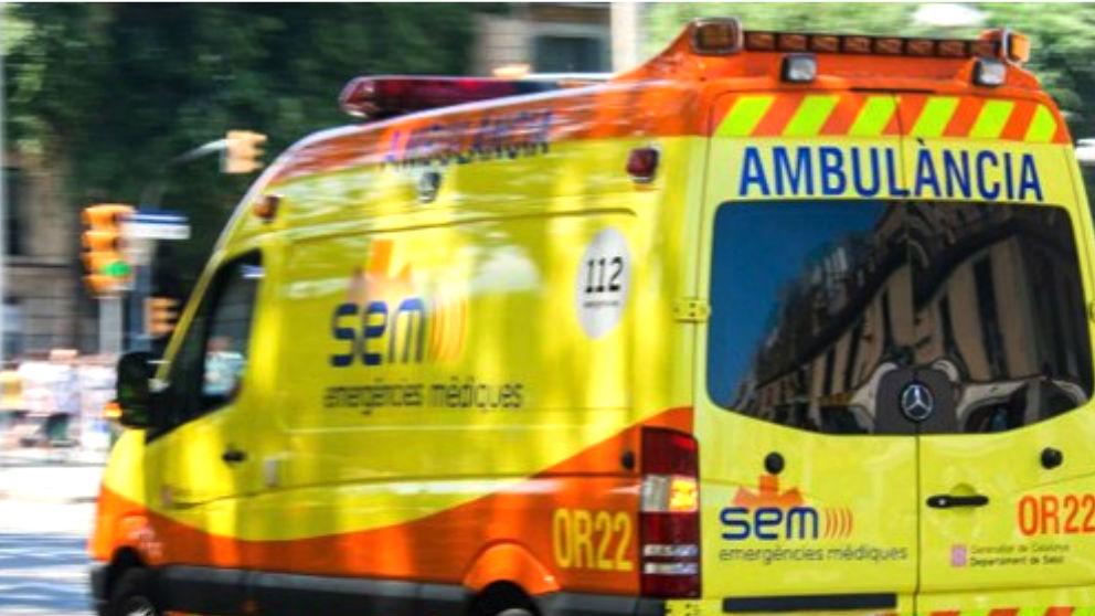 Imagen de una ambulancia de Cataluña.
