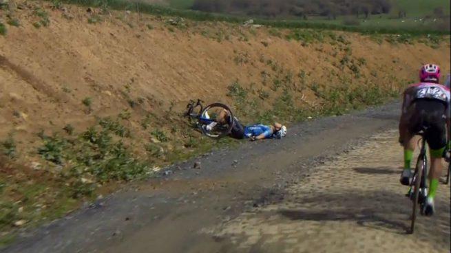 El ciclista belga Michael Goolaerts sufre un infarto durante la París-Roubaix