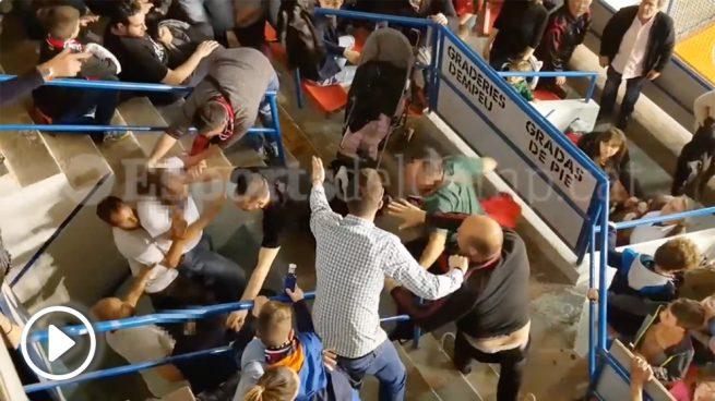 Radicales agreden en un partido de hockey a un aficionado que criticó los insultos contra España