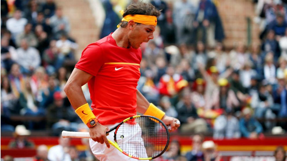 Rafa Nadal celebra un punto ante Zverev. (EFE)