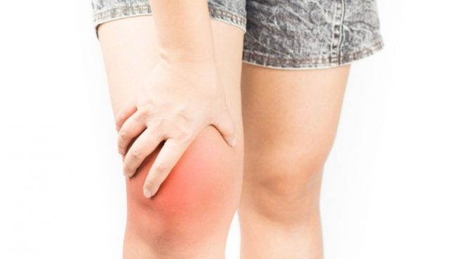 como aliviar dolor de rodilla por golpe