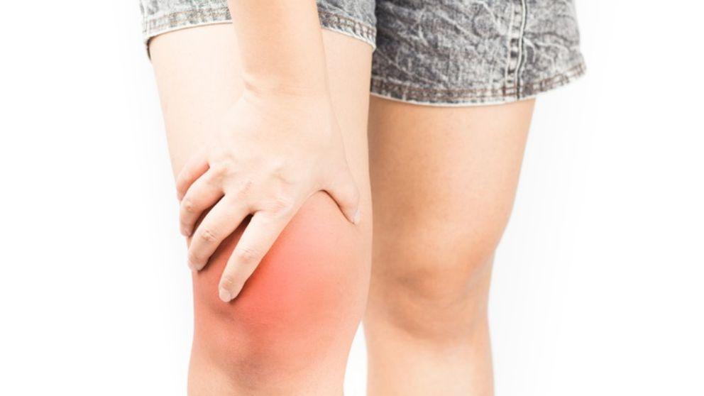 Aprende a quitar el líquido en la rodilla con estos remedios naturales
