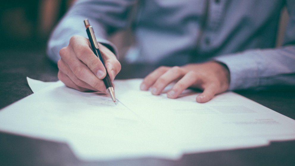 Aprende todos los pasos para escribir una carta de agradecimiento correctamente.