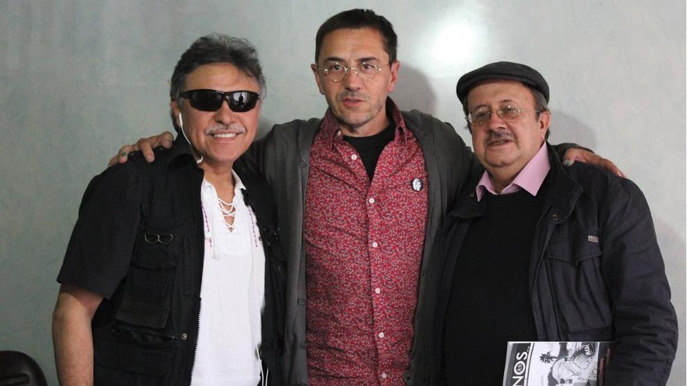 El narcotraficante de las FARC Jesús Santrich; Juan Carlos Monedero, fundador de Podemos; y Andrés París, líder de las FARC.