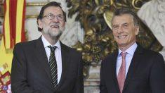 Los presidentes de España, Mariano Rajoy, y de Argentina, Mauricio Macri, durante la comparecencia de prensa. Foto: AFP
