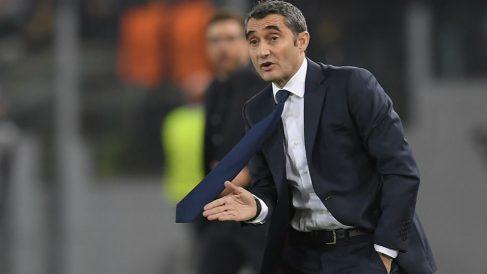Ernesto Valverde durante un partido con el Barcelona. (AFP)