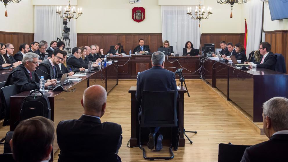 El ex presidente de la Junta de Andalucía José Antonio Griñán durante su declaración en el juicio de los ERE. (Foto: EFE)