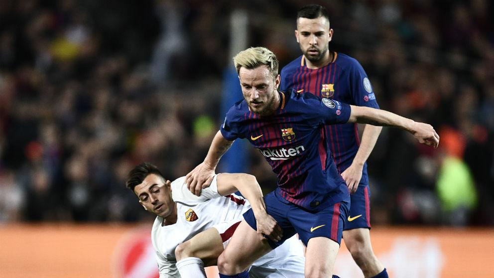 Rakitic durante un partido contra la Roma. (AFP)