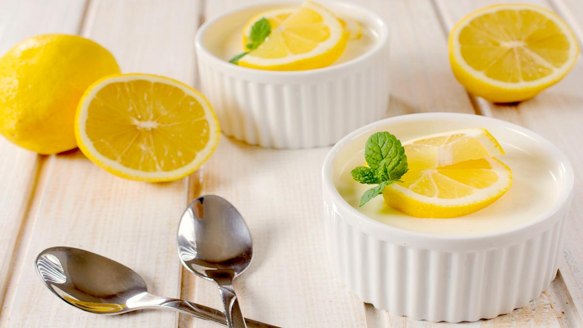 Receta de Panna cotta de limón fácil de preparar