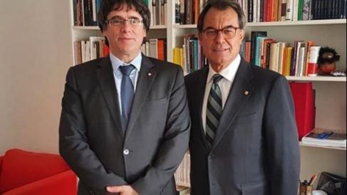 Puigdemont con Mas. (Fuente: RRSS)