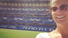 Lucy visitando el Santiago Bernabéu (Getty)