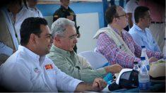Álvaro Uribe, de campaña por la Amazonía colombiana. (Foto: OKD)