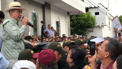 Álvaro Uribe, en San Vicente de Caguan, de campaña para las presidenciales de Colombia. (Foto: OKD)