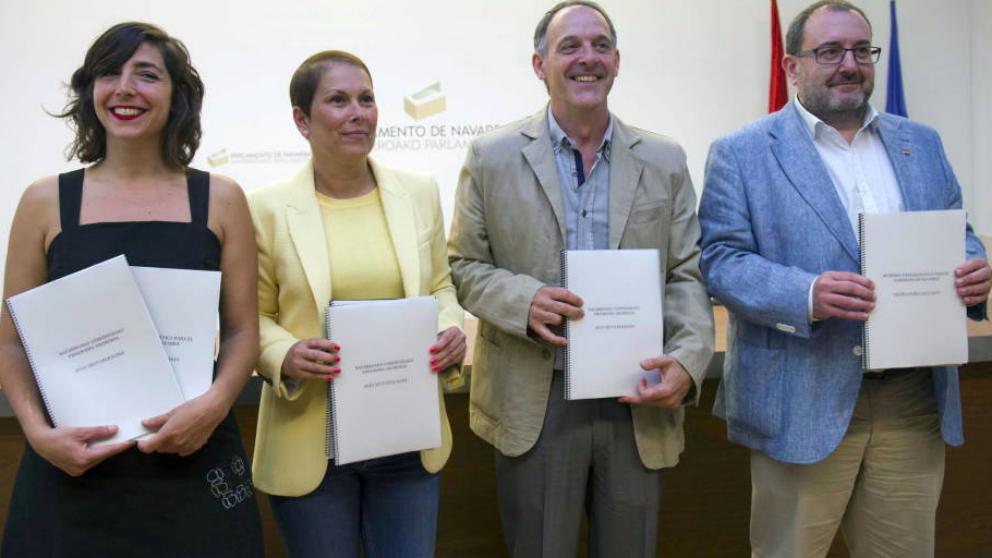 El cuatripartito aprueba una nueva ley para imponer el euskera (Foto:EFE)