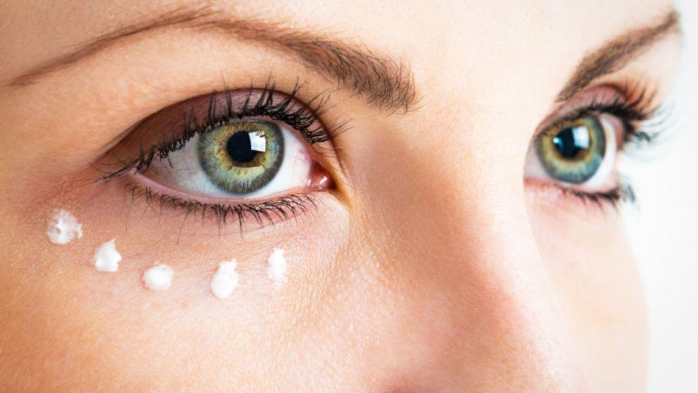 Como hacer un contorno de ojos casero con ingredientes for Como organizar un periodico mural