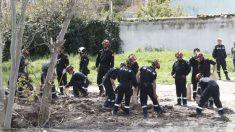 Militares de la UME trabajan en la crecida del Ebro