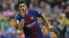 Luis Suárez celebra su gol al Valencia. (AFP)