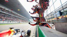 Ricciardo celebra la victoria con su muro. (Getty)