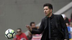 Simeone durante el partido del Atlético-Levante. (AFP)