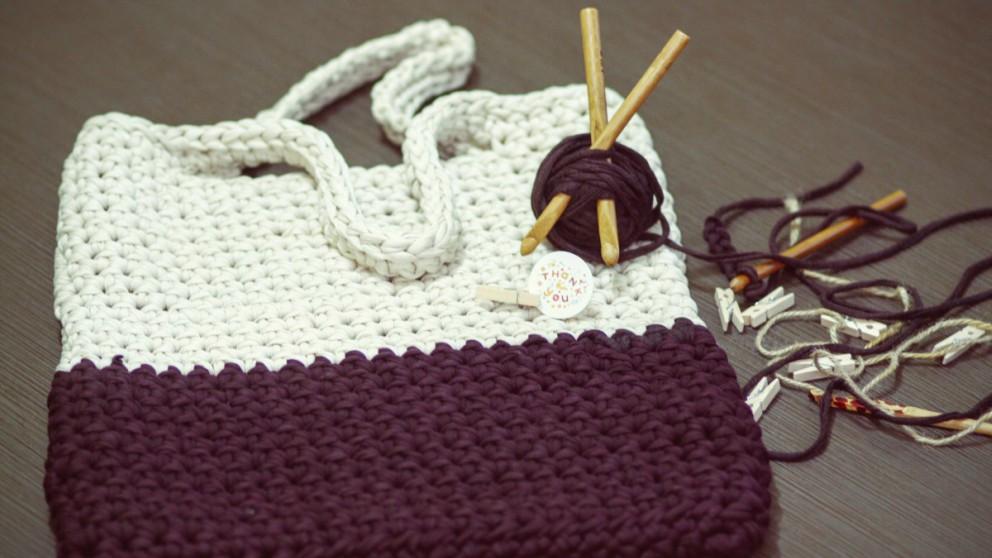 Aprende a hacer originales bolsos de ganchillo con estos pasos.