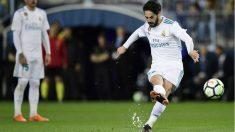 Isco anota el 0-1 en La Rosaleda. (AFP)