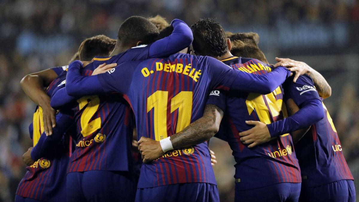 Los jugadores del Barcelona celebran uno de los goles en Celta. (EFE)