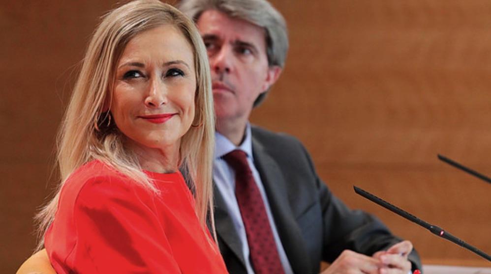 La ex presidenta de la Comunidad de Madrid, Cristina Cifuentes, y su consejero de Presidencia, Ángel Garrido. (Foto: Comunidad).