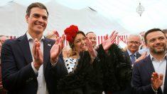 Pedro Sánchez, secretario general del PSOE, y su rival en las primarias además de líder socialista andaluza, Susana Díaz, en al Feria de Abril. (EFE)