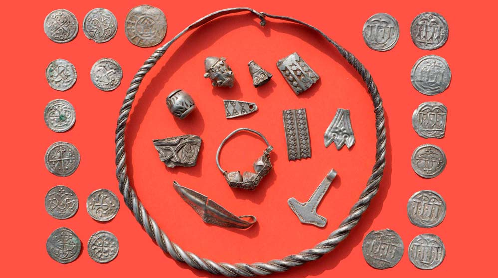 Un niño de 13 años descubre un increíble tesoro vikingo (2)