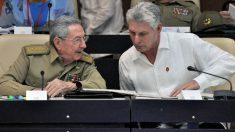 Raúl Castro y Miguel Díaz-Canel (Foto: AFP)